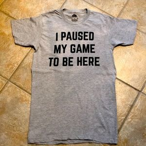 Unisex small gaming t-shirt in gray.